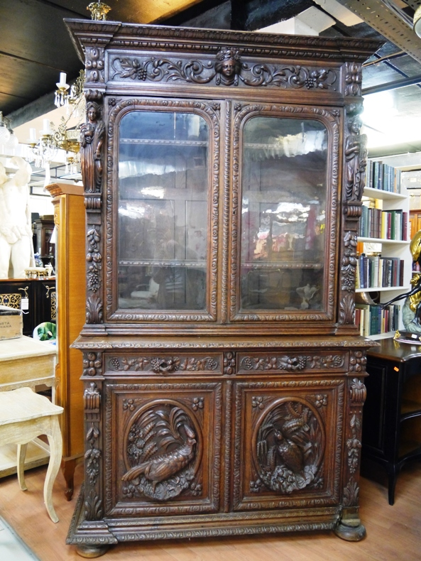 """Книжный шкаф """"ренессанс""""."""